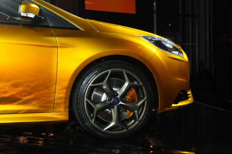 003-2012-ford-focus-st-debut