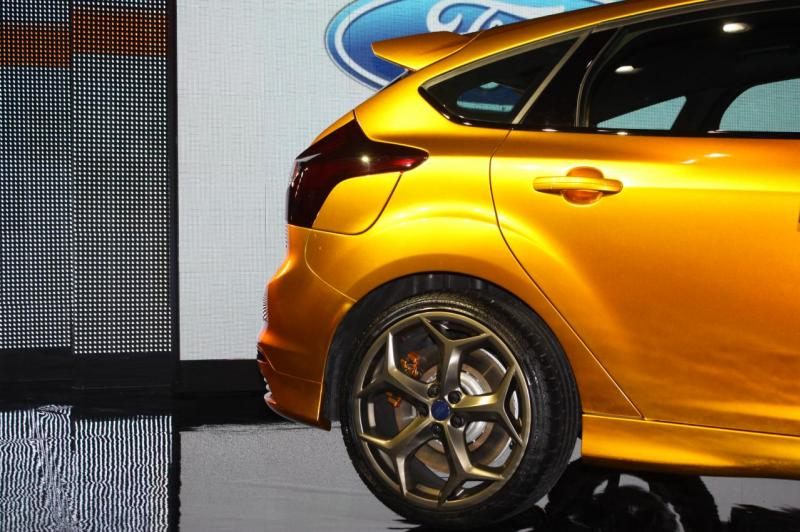 006-2012-ford-focus-st-debut