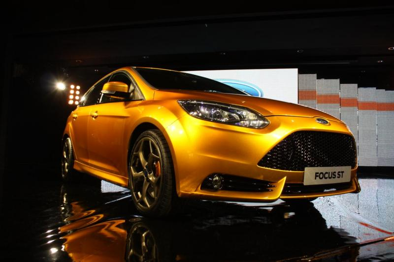 011-2012-ford-focus-st-debut