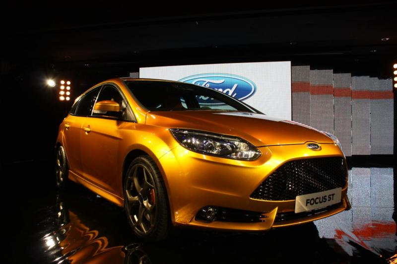 013-2012-ford-focus-st-debut