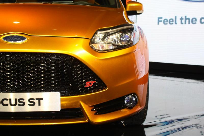 017-2012-ford-focus-st-debut