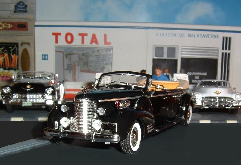 N12CadillacLimousineV16serie90QueenMary1948a