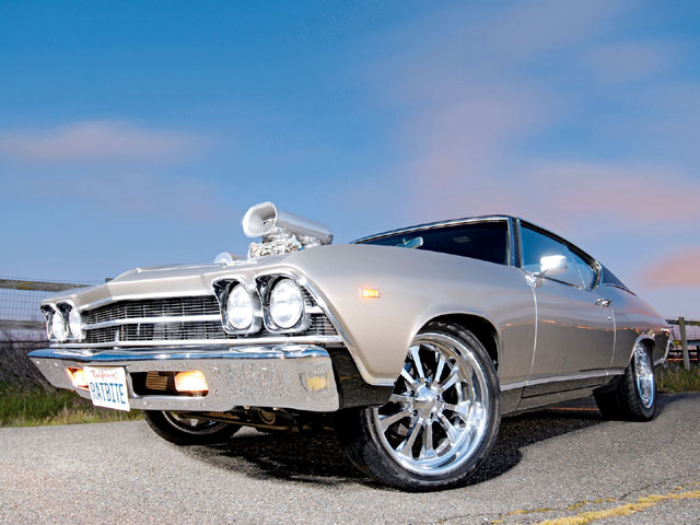 caep_0809_25_z_Wes_Shirley_1969_Chevy_Chevelle_front_view_angled