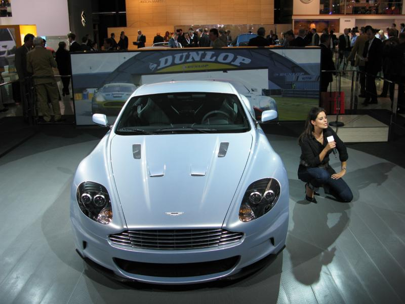 aston-mart​in-dbs-5