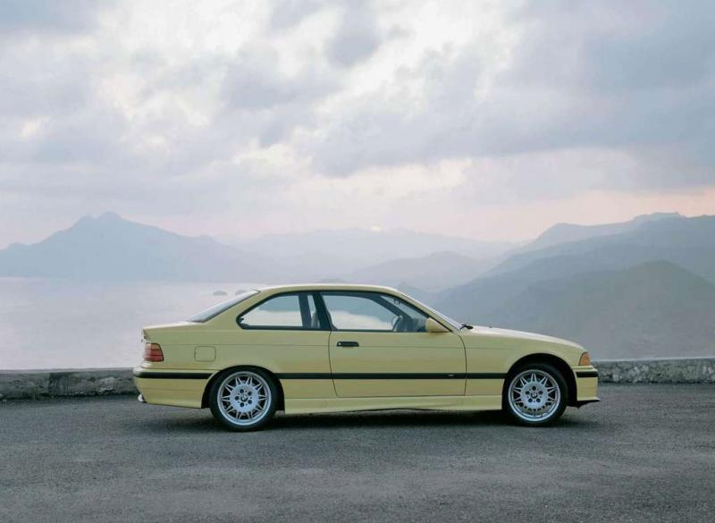 BMW-M3-coupe_1992_3