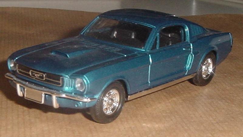 FORD_MUSTANG_FASTBACK1964_SOLIDO2