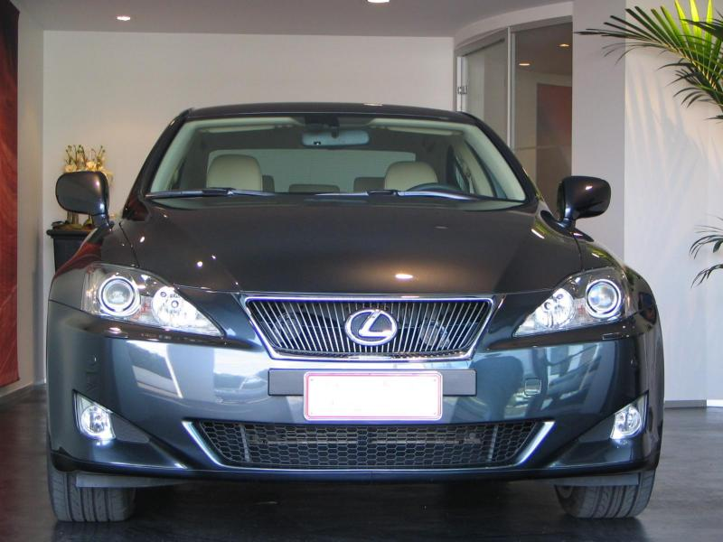 lexus%20is​%209