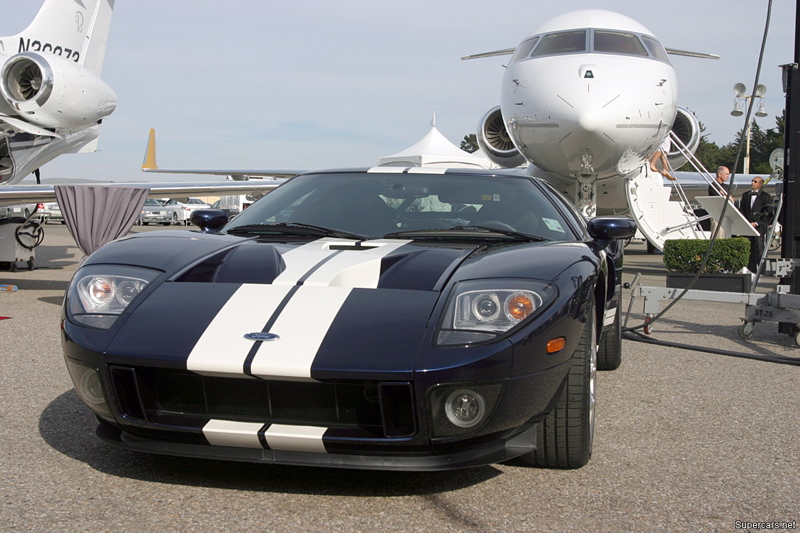 Ford%20GT,​%20black,%​20white%20​stripes%20​6