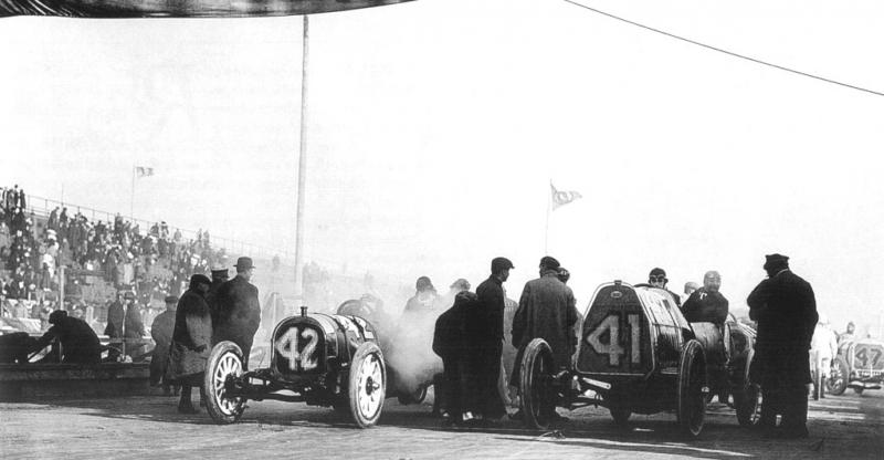 1911 american grand prize, savannah - lou disbrow (pope-hart​ford) 5th, louis wagner (fiat s74) dnf 14 laps steering acc