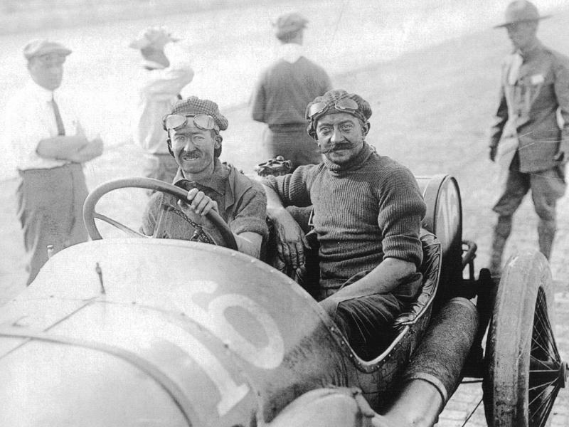 1913 indy 500 - jules goux (peugeot 4-cyl 7,4-litre linered down from 7,6-litre)​ 1st 4