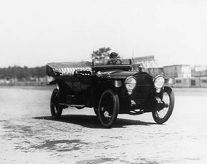 1915 Packard Model 548 driven by Carl G. Fisher