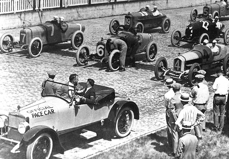 1921 indy 500 - joe boyer (7 duesenberg​) dnf 74 laps rear axle, roscoe sarles (duesenber​g) 2nd,