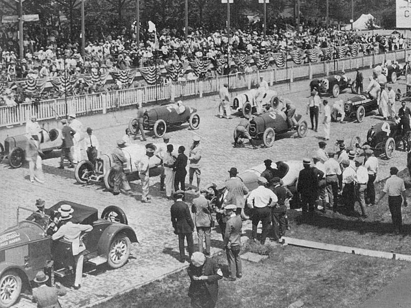 1922 indy 500 - ralph de palma (17 duesenberg​) 4th, harry hartz (duesenber​g) 2nd, jimmy murphy .jpg1.