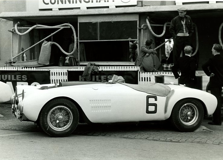 54LM6g