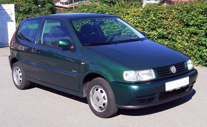 VW_Polo_6N_(Left_Front)