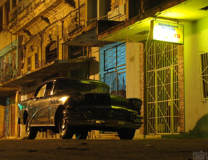 buick_special_1956_night_la_havana_padares_dont_go_to_this_one
