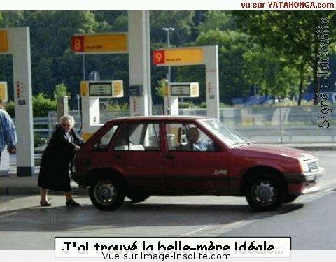 grand_mere_pousse_voiture.jpg1.
