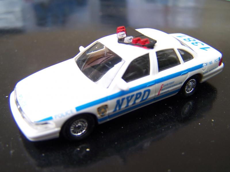 Ford%20Crown%20Victoria%2097%20-%20NYPD