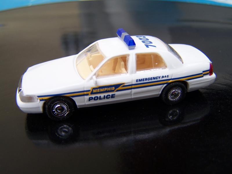 FordCrownVictoria2005PolicedeMemphis