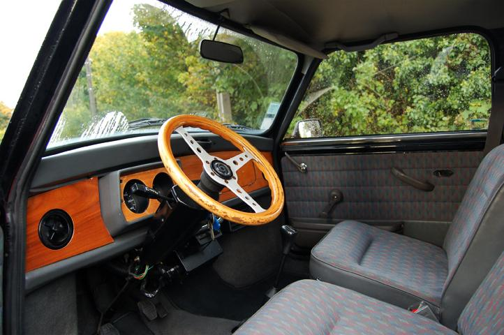 vends mini austin 1992 tr s propre voitures annonces auto et accessoires forum pratique. Black Bedroom Furniture Sets. Home Design Ideas