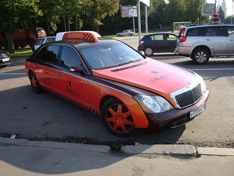 799px-Maybach_taxi_Moscow_2