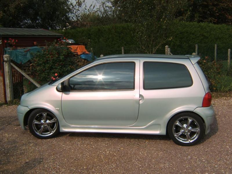twingo 1 2l 16v kit carrosserie 36000kms vends. Black Bedroom Furniture Sets. Home Design Ideas