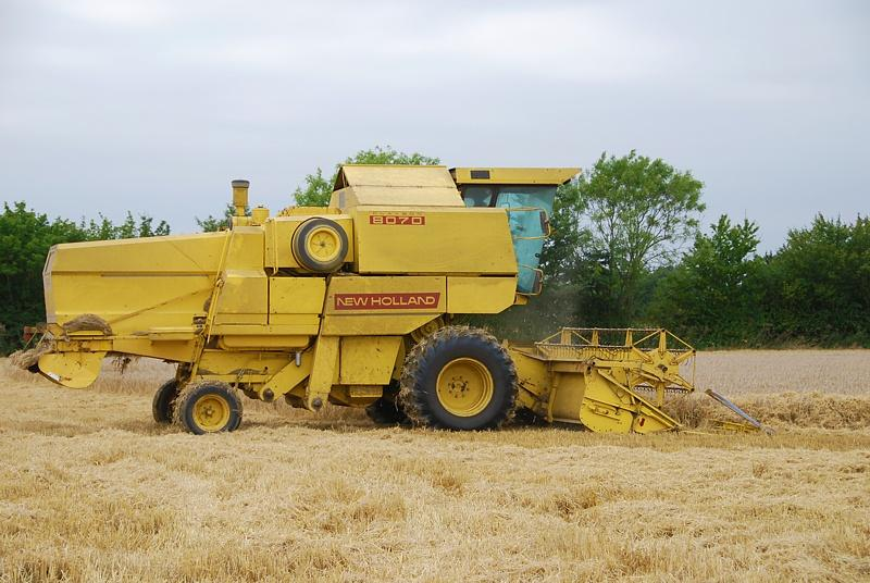 NewHolland80701