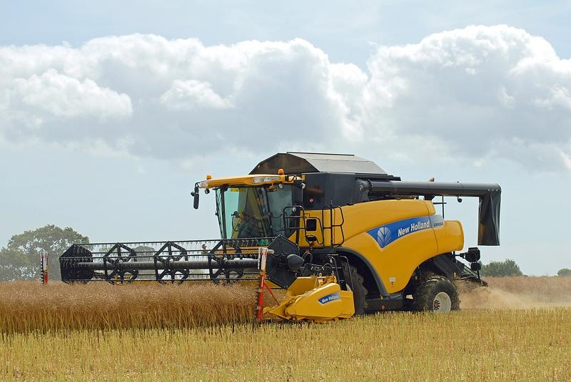 NewHolland​CR9080