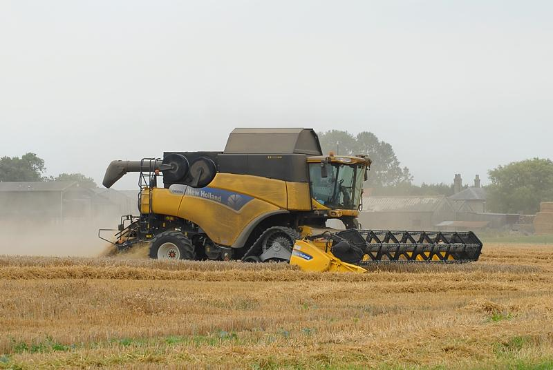 NewHolland​CR90903