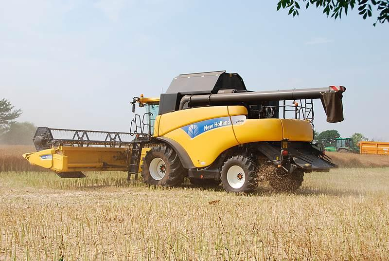 NewHolland​CR9801