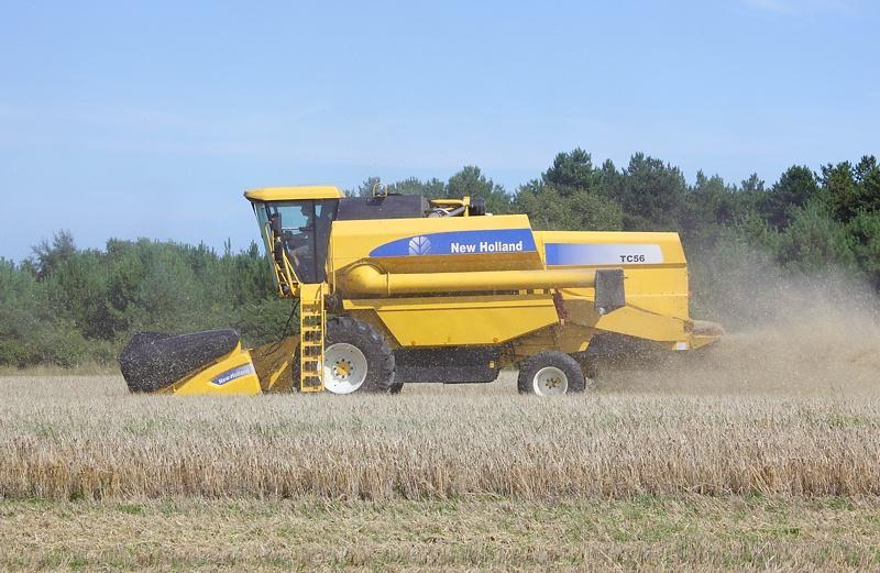NewHolland​TC561