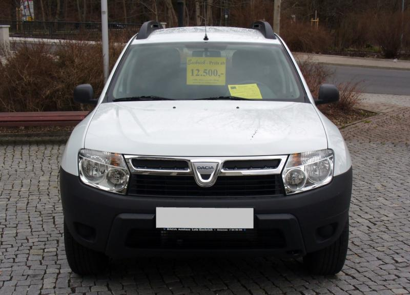 Dacia_Duster_Ambiance_1.6_16V_4x2_Artiksweiß_Front