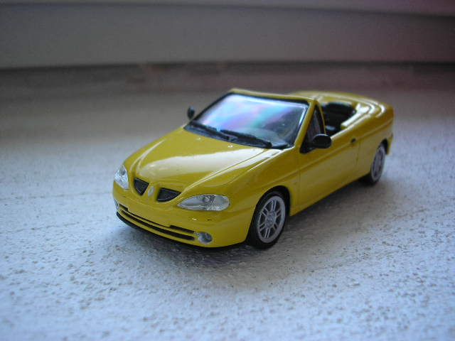 Renault Megane I Ph II cabrio yellow 1-43