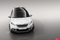 Peugeot-2008-crossover-blanc-2013_2