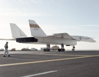 766px-North_American_XB-70_on_ramp_EC68-2101