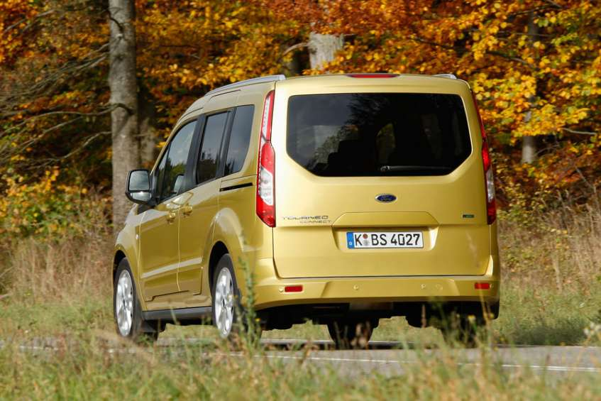 ford-tourneo-connect-heckansichtamsmdb7349070fb0b937df984446f00ba9afd7159b431