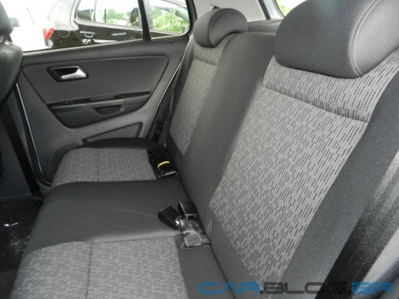 VW-Fox-2013-interior (2)