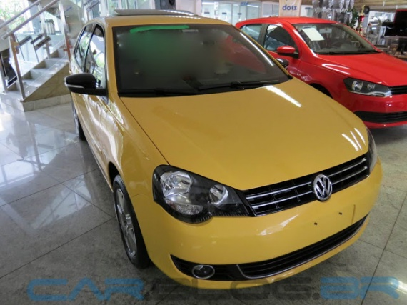 VW-Polo-Hatch-2013-Sportline-amarelo (2)