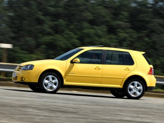 Volkswagen-Golf-Sportline-Brasil-2007-Photo-04-800x600