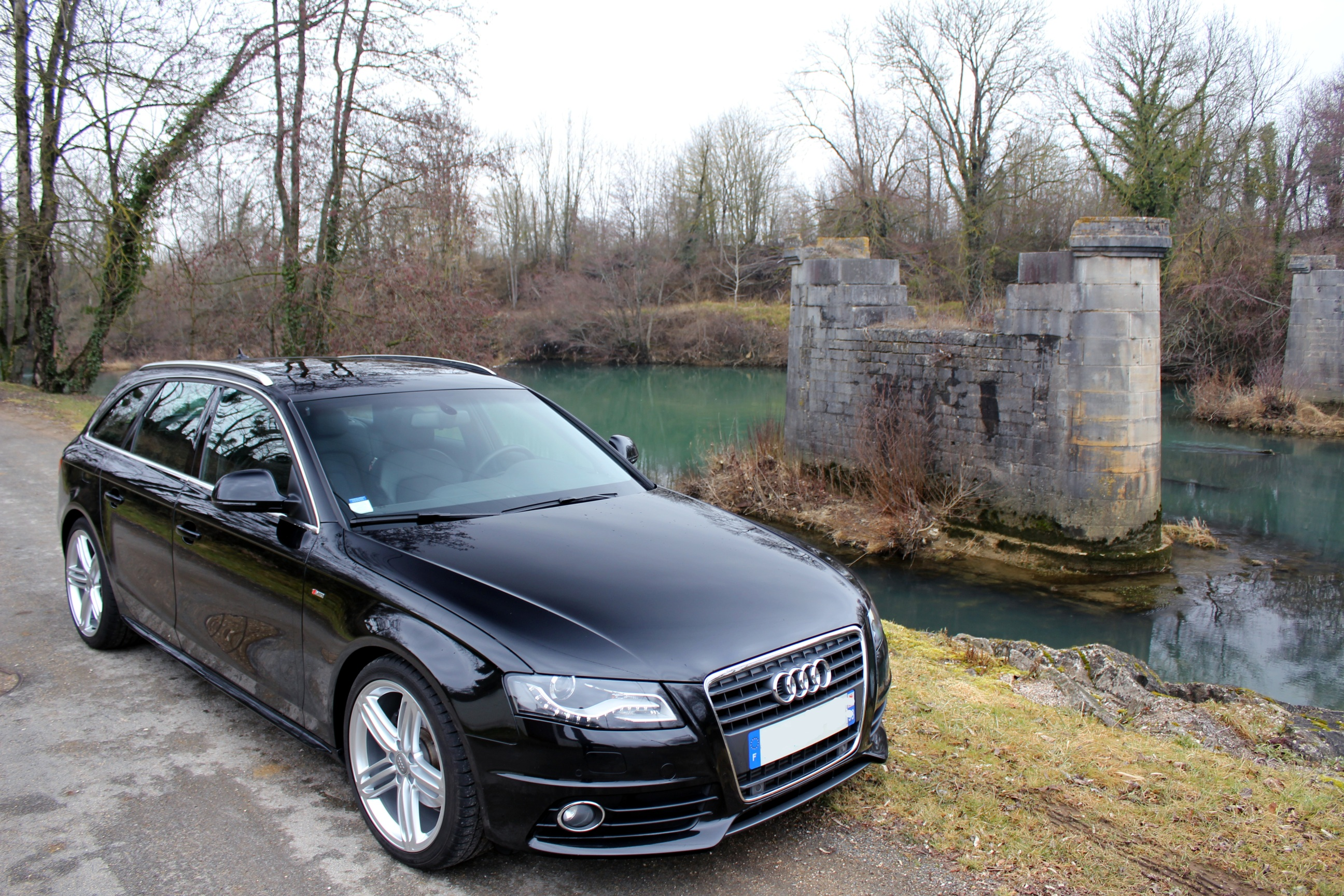 Audi a4 b8 avant 2 0tfsi s line plus pr sentation page for Audi a4 break interieur