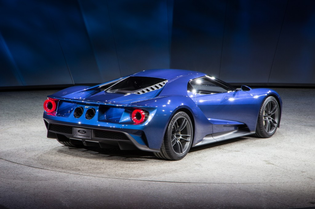 ford-gt-live-photos-2015-detroit-auto-show_100496818_l