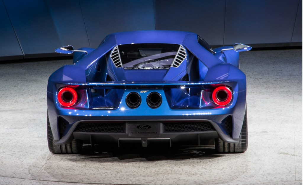 ford-gt-live-photos-2015-detroit-auto-show_100496815_l