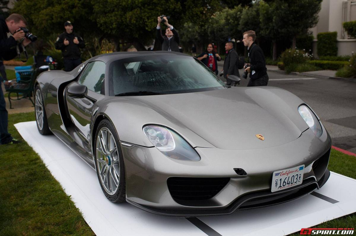 Porsche-918-Spyder-at-Pebble-Beach