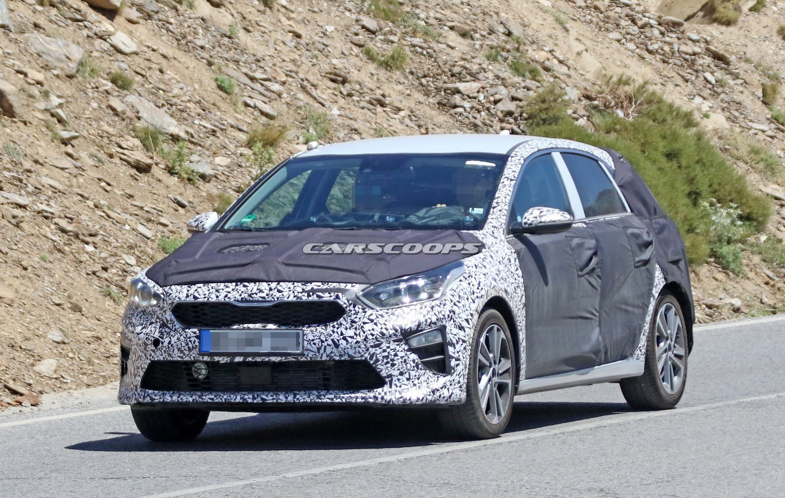 kia-ceed-spy-shots-2