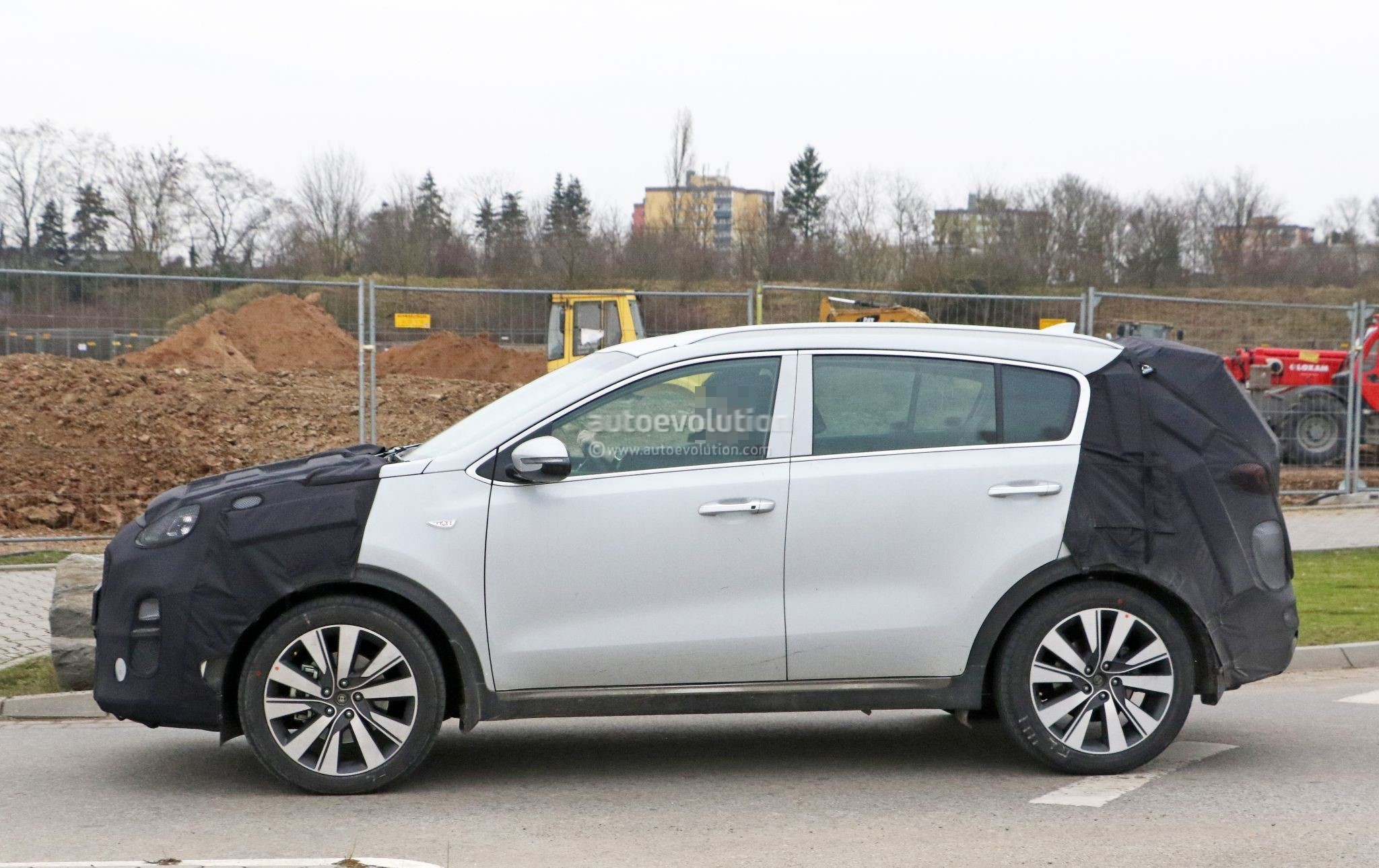 2019-kia-sportage-spied-testing-in-germany-looks-almost-ready-for-production_8