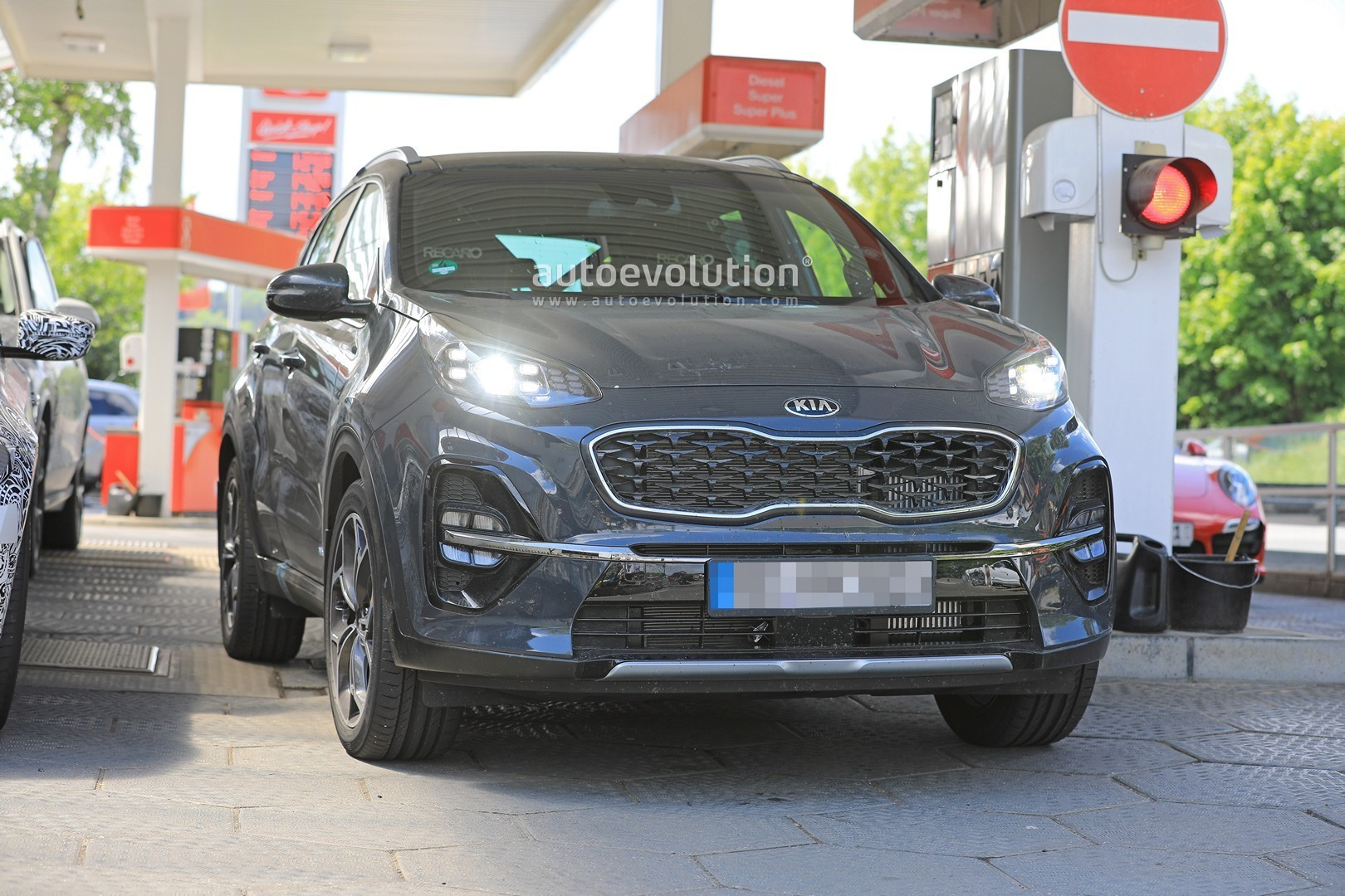 2019-kia-sportage-facelift-revealed-in-full-at-the-nurburgring_7