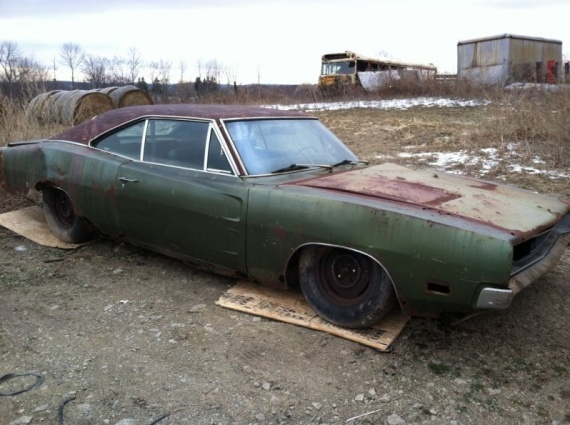 1969 charger rt se 440ci rusted 1 epaves accident es casses ray66 photos club. Black Bedroom Furniture Sets. Home Design Ideas