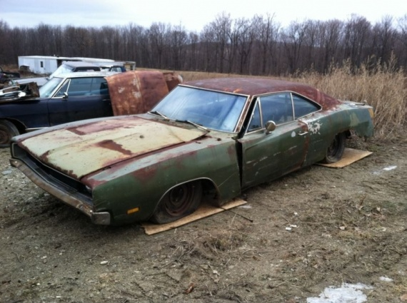 1969 charger rt se 440ci rusted 2 epaves accident es casses ray66 photos club. Black Bedroom Furniture Sets. Home Design Ideas