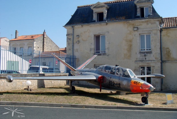 Fouga-Magister_Rochefort_02