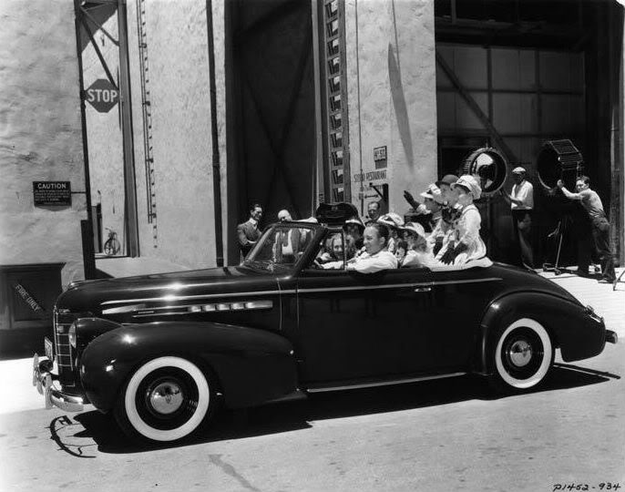 Bing-Crosby_Oldsmobile_coupe_convertible_1939